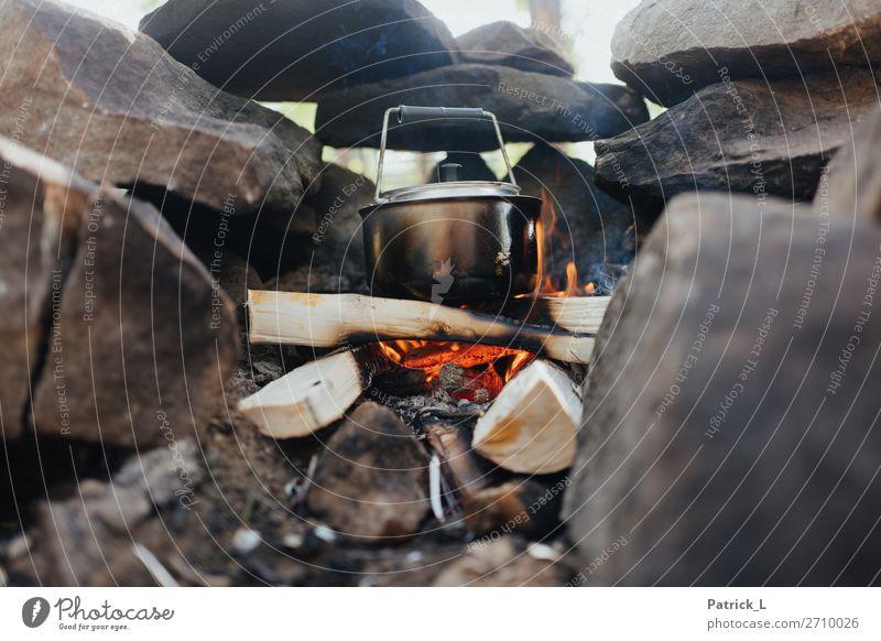 Camping rot Holz Leben Wärme natürlich Stein orange Arbeit & Erwerbstätigkeit Angst frei dreckig Abenteuer genießen warten kochen & garen Feuer