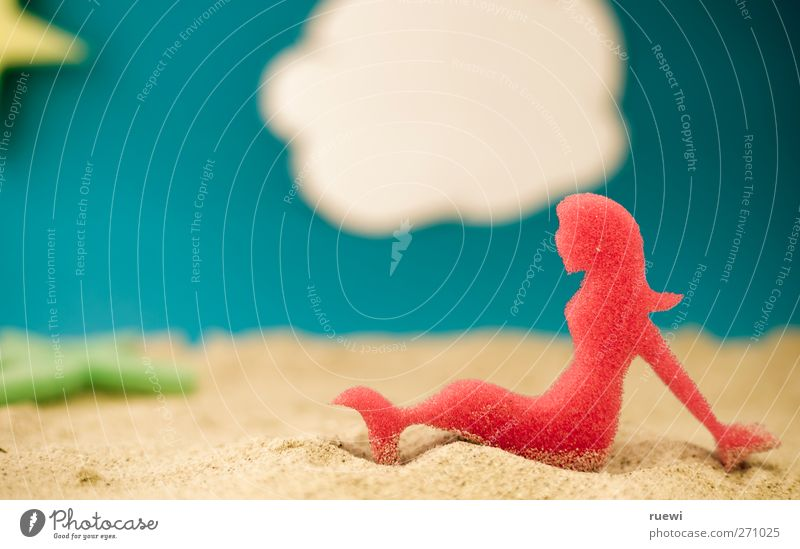 Endlich Sommer! Mensch Frau Himmel Sonne Meer Freude Wolken Strand Erholung Erwachsene feminin Sand Schwimmen & Baden sitzen Tourismus
