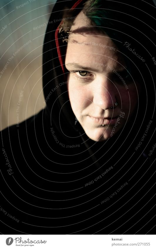Hiddensee | I shot the devil Mensch Jugendliche schwarz Erwachsene Auge dunkel feminin Leben Kopf Junge Frau außergewöhnlich Mund Nase 18-30 Jahre Coolness