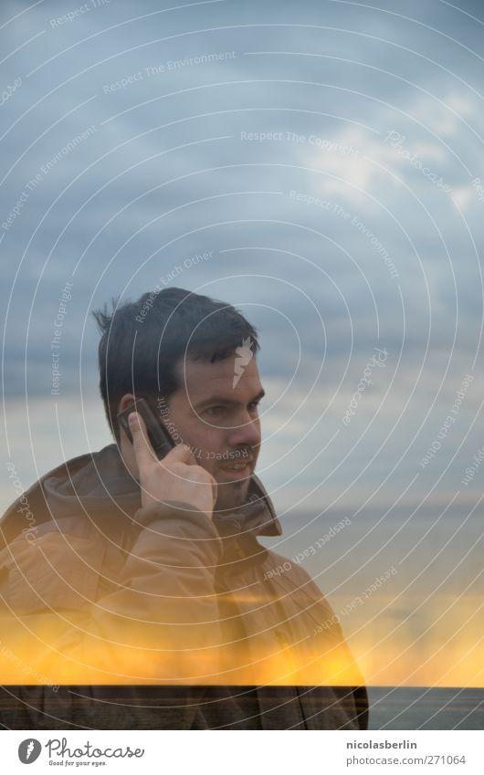 Hiddensee | Im Funkloch Mensch Jugendliche Wasser Ferien & Urlaub & Reisen Meer Strand Wolken Erwachsene Ferne Freiheit Regen Junger Mann maskulin 18-30 Jahre