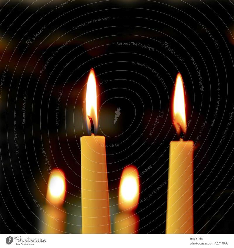 Lichterschein schwarz Erholung gelb Religion & Glaube träumen Stimmung braun orange leuchten Dekoration & Verzierung Romantik Kerze Zeichen heiß Duft brennen