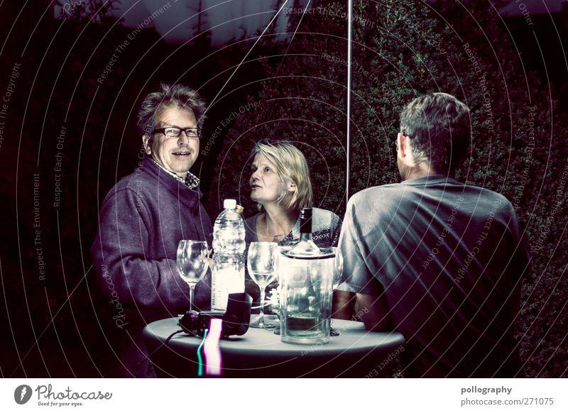 Mitternachtsplausch Nachtleben Party trinken Feste & Feiern Geburtstag Mensch maskulin feminin Mann Erwachsene Freundschaft Senior Leben 3 30-45 Jahre