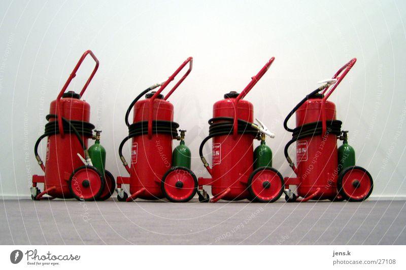 Feuerlöscher rot Brand Industrie 4 Brandschutz