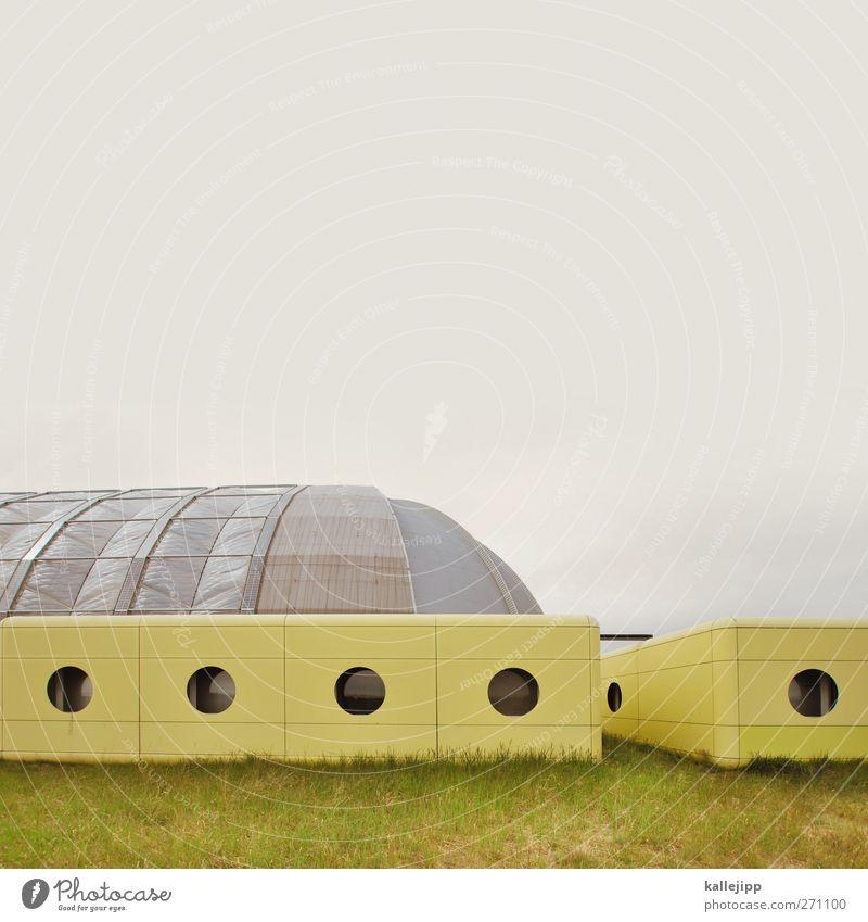 perfect plastic world Schwimmbad Gebäude Architektur Fassade Fenster rund gelb Halle Futurismus Raumfahrzeuge tropical islands Gewächshaus Brandenburg künstlich