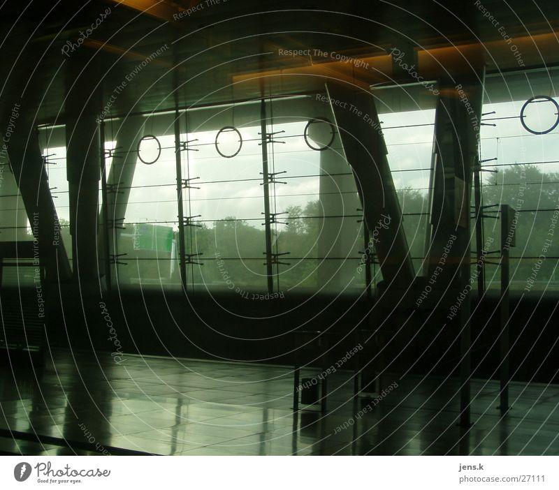 Bahnhof Licht Verkehr Architektur Glasfassade Säule