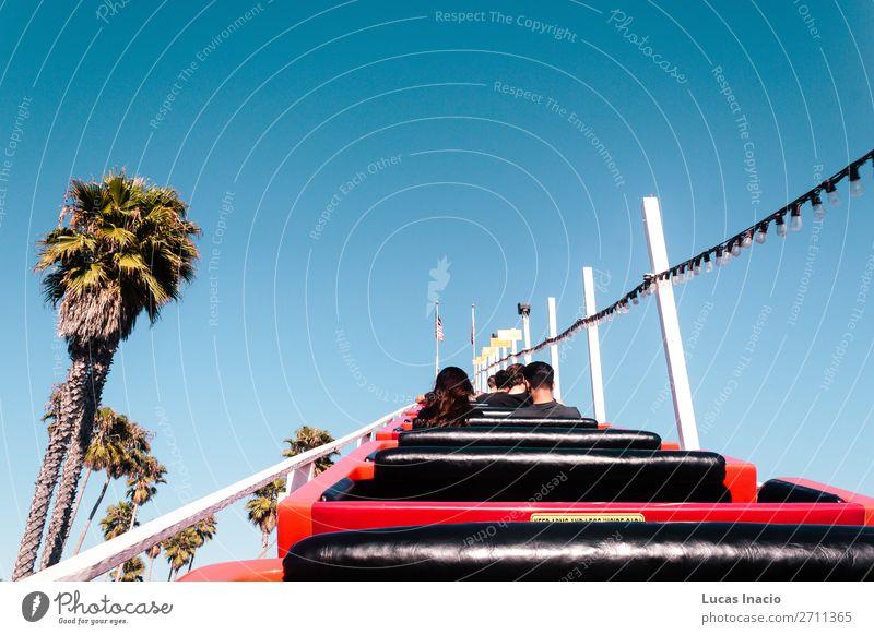 Achterbahnfahrt in Santa Cruz Boardwalk, Kalifornien, USA Ferien & Urlaub & Reisen Tourismus Sommer Strand Meer Garten Umwelt Natur Sand Himmel Baum Gras Blatt
