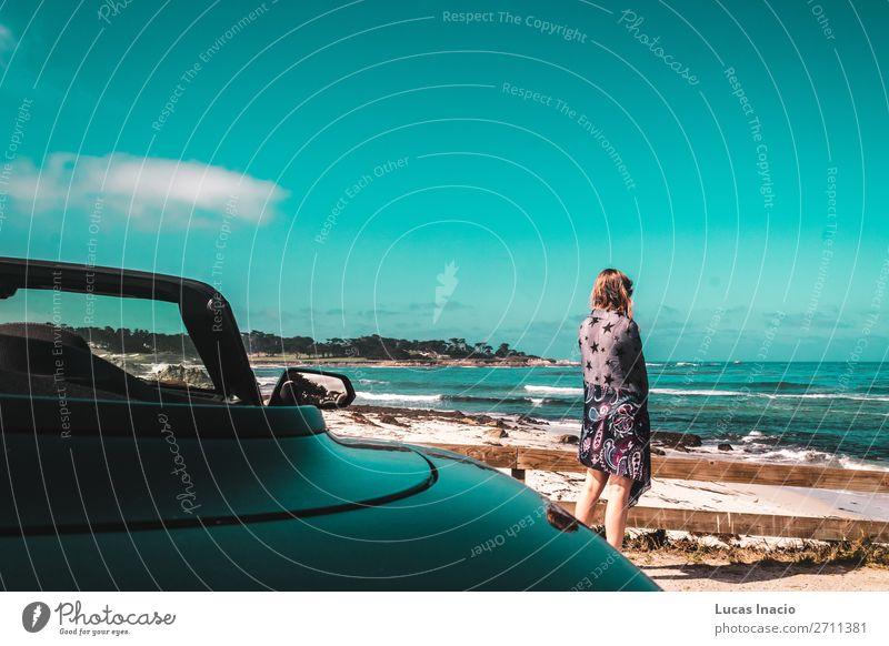 Junges Mädchen am Pazifik in Kalifornien Ferien & Urlaub & Reisen Tourismus Sommer Strand Meer Mensch Junge Frau Jugendliche Erwachsene Umwelt Natur Landschaft