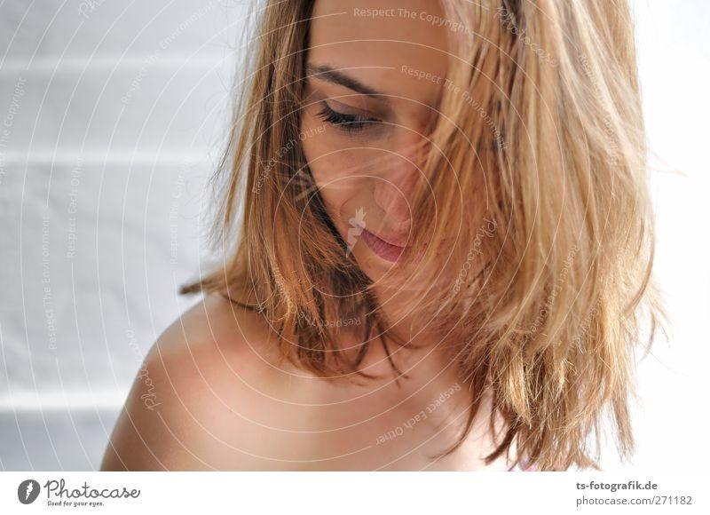 Sonntagmorgen Mensch Frau Jugendliche schön Erwachsene Gesicht Liebe Auge feminin Erotik nackt Haare & Frisuren Junge Frau Kopf Traurigkeit Körper