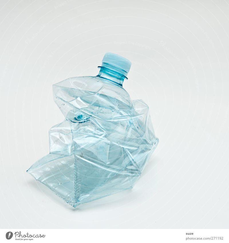 So ich habe Fertig! Flasche Umwelt Verpackung Kunststoffverpackung hell kaputt Sauberkeit Durst Umweltschutz Recycling Pfandflasche hell-blau Klarheit Müll