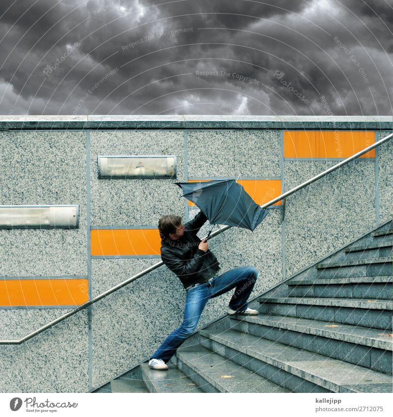 Mann mit Regenschirm bei schlechtem Wetter Lifestyle Mensch maskulin Erwachsene Körper 1 30-45 Jahre Umwelt Natur Wasser Wassertropfen Himmel Wolken