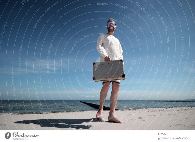Hiddensee | Urlaubsreife Mensch Himmel Mann Wasser Strand Freude Erwachsene Frühling Küste Horizont Stimmung Körper Zufriedenheit elegant maskulin stehen