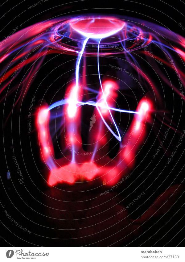 Wildes Teil Mensch Hand Technik & Technologie Wissenschaften Strahlung Plasma Fototechnik