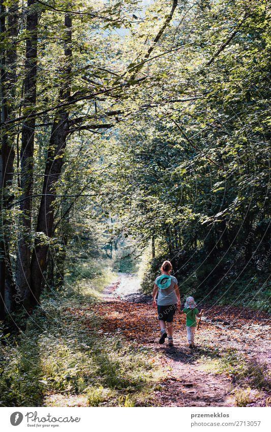 Frau Kind Mensch Ferien & Urlaub & Reisen Natur Sommer Pflanze Landschaft Baum Erholung Freude Wald Mädchen Lifestyle Erwachsene Umwelt