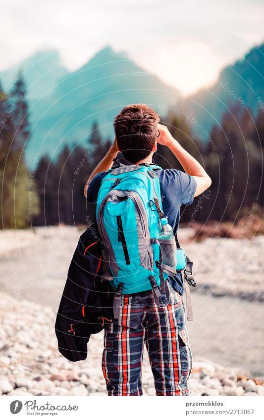 Mensch Ferien & Urlaub & Reisen Natur Jugendliche Mann Sommer Junger Mann Wald Berge u. Gebirge 18-30 Jahre Lifestyle Erwachsene Leben Umwelt natürlich