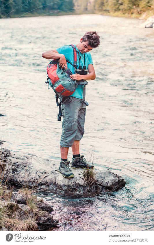 Mensch Natur Jugendliche Mann Sommer Junger Mann 18-30 Jahre Erwachsene Leben Umwelt natürlich See Ausflug wandern frisch