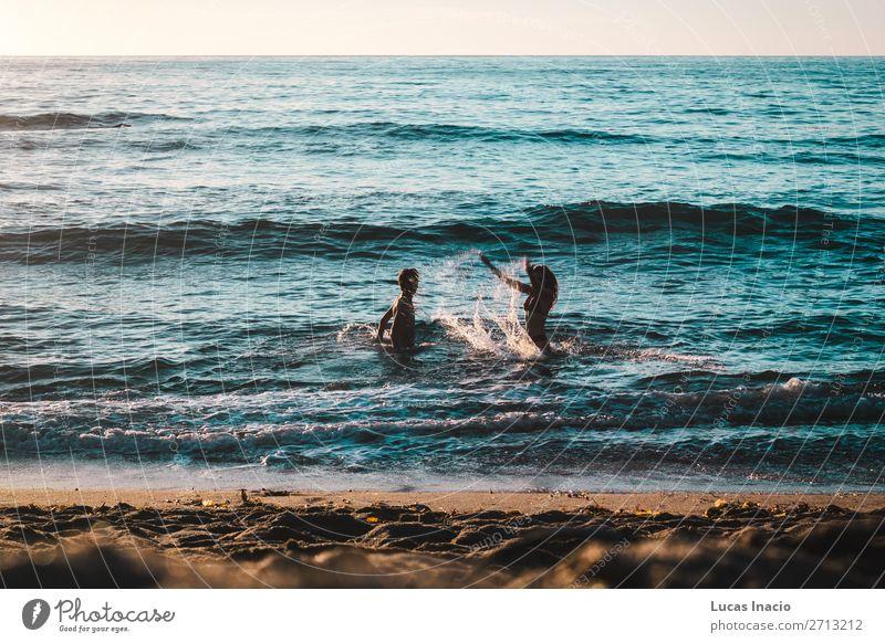 Frau Mensch Himmel Ferien & Urlaub & Reisen Natur Jugendliche Mann Junge Frau Sommer Junger Mann Sonne Meer Freude Strand Erwachsene Umwelt