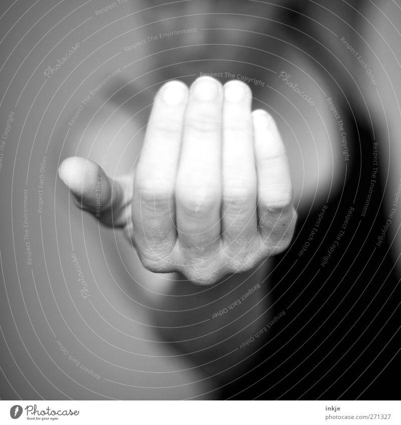 Come a little closer ! Mensch Hand Leben Spielen Gefühle Stimmung Freizeit & Hobby bedrohlich Kommunizieren Neugier nah machen ködern gestikulieren drohen auffordern