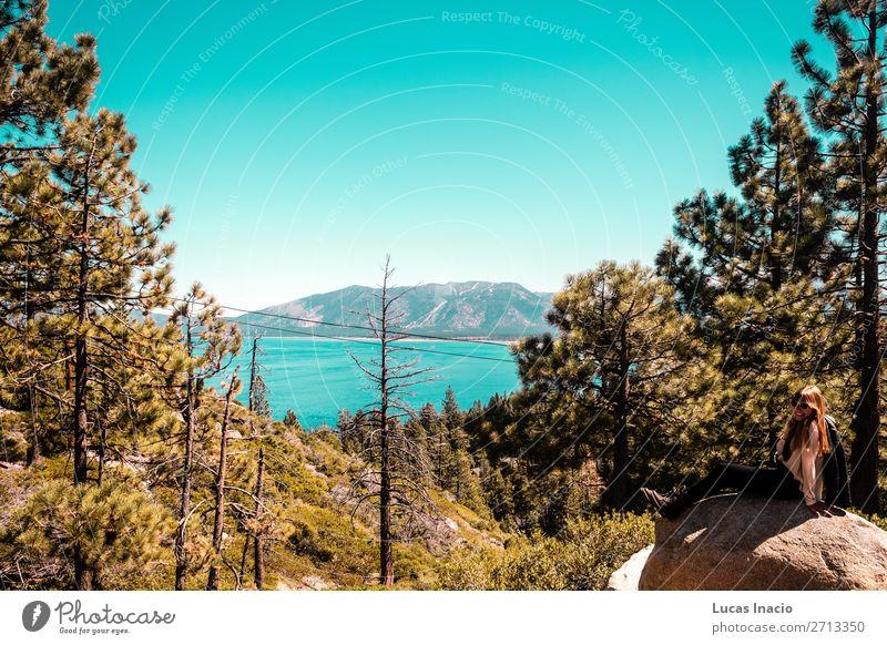 Frau Mensch Himmel Ferien & Urlaub & Reisen Natur Jugendliche Junge Frau Sommer Baum Meer Blatt Wald Strand Berge u. Gebirge Architektur Erwachsene