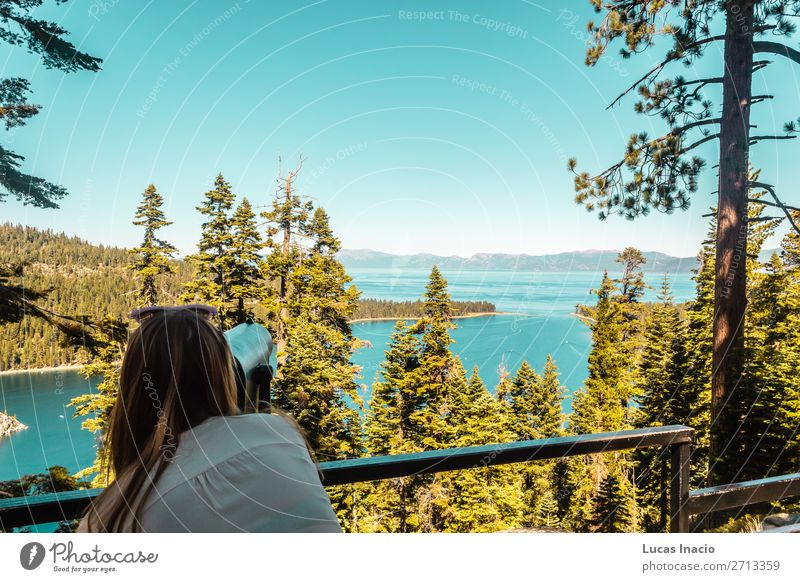 Mädchen am Emerald Bay Vista Point, Lake Tahoe Ferien & Urlaub & Reisen Tourismus Sommer Berge u. Gebirge Garten Mensch feminin Junge Frau Jugendliche