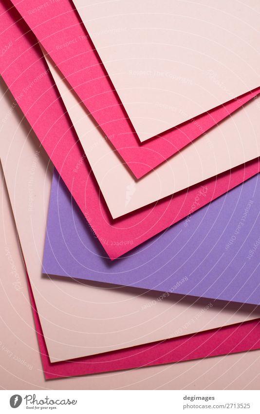 Rosa und violettes Papiermaterialdesign. Geometrisches Einfarbig Design Tapete Handwerk Kunst Linie Streifen retro rosa Farbe geometrisch Hintergrund purpur