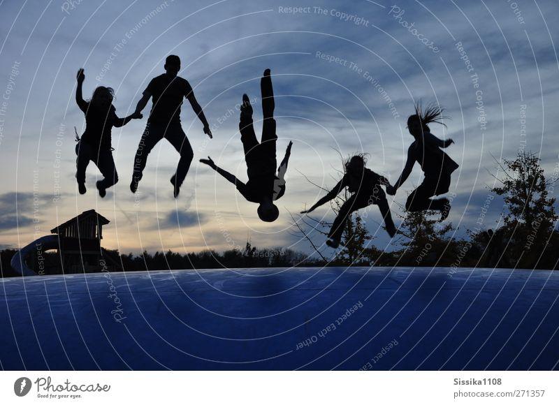 Die Welt steht Kopf Freude Mensch maskulin feminin Freundschaft Jugendliche Leben Körper 5 Menschengruppe 18-30 Jahre Erwachsene Glück Fröhlichkeit Lebensfreude