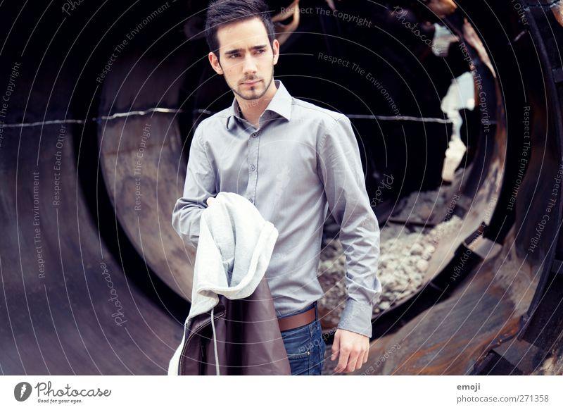 Abbruch maskulin Junger Mann Jugendliche 1 Mensch 18-30 Jahre Erwachsene Mode schön Farbfoto Außenaufnahme Tag Oberkörper Vorderansicht