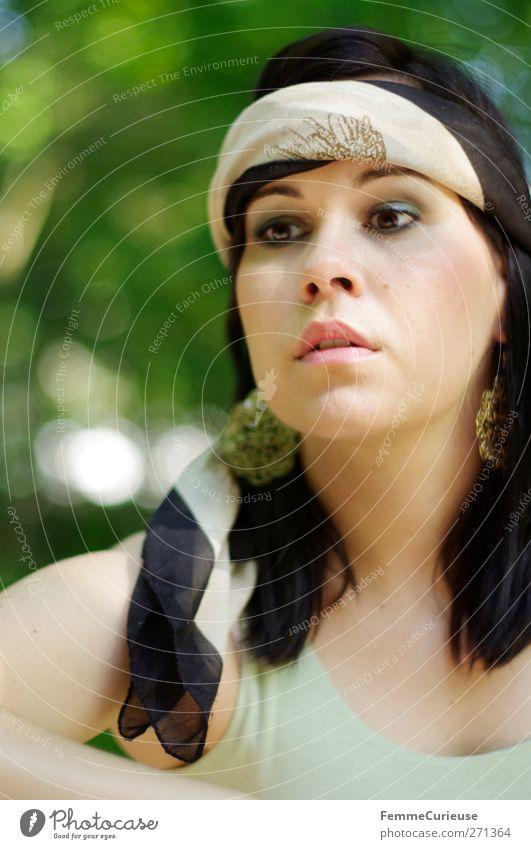 Woman wearning accessories. Mensch Frau Jugendliche schön Junge Frau Baum Erholung Ferne 18-30 Jahre Erwachsene Leben feminin Stil Lifestyle Freiheit elegant
