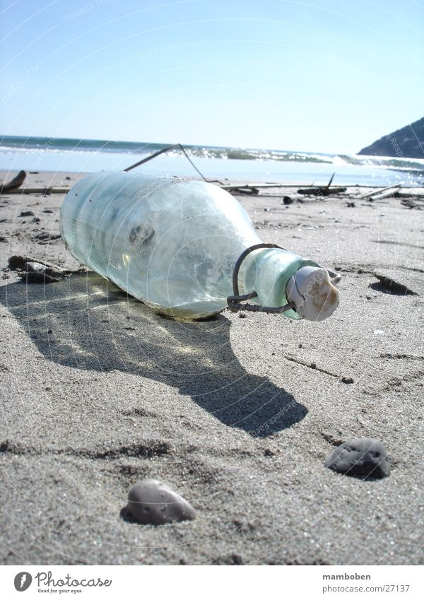 Flaschenpost Meer Strand geheimnisvoll