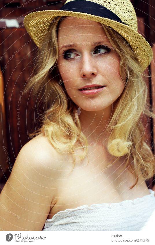 summertime II Mensch feminin Junge Frau Jugendliche Erwachsene 1 18-30 Jahre Mode Kleid Accessoire Hut blond langhaarig Locken Denken hören Lächeln Blick