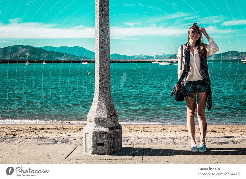 Mädchen an der Küste von San Francisco, Kalifornien Ferien & Urlaub & Reisen Tourismus Sommer Strand Meer Mensch feminin Junge Frau Jugendliche Erwachsene 1
