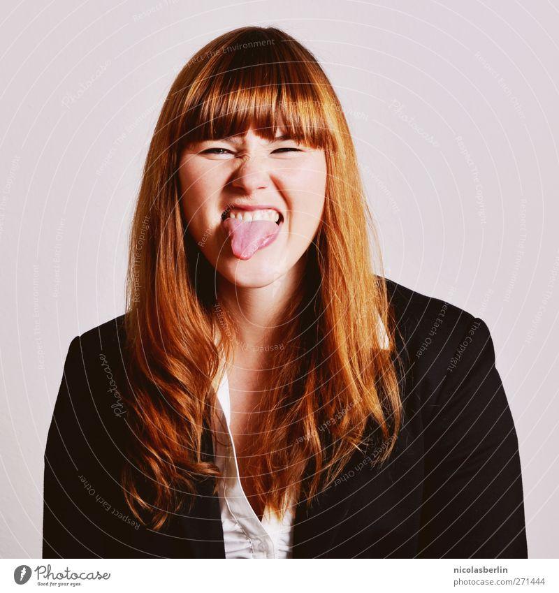 Montags Portrait 24 - Zunge raus! schön Bildung Praktikum feminin Junge Frau Jugendliche 1 Mensch 18-30 Jahre Erwachsene Arbeit & Erwerbstätigkeit frech lustig