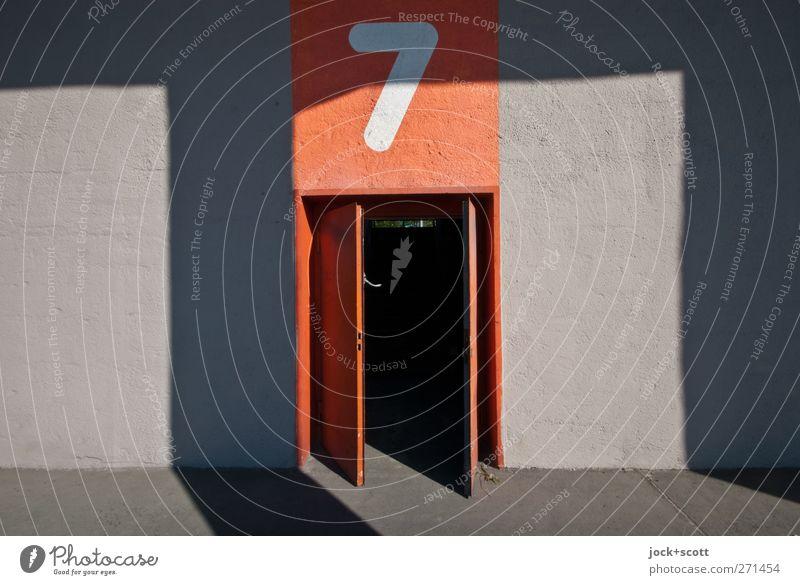 Öffnungszeit Nr. 7 Wand Mauer Berlin Stein orange Ordnung Tür offen Schilder & Markierungen modern Streifen Sauberkeit retro Boden Neugier fest