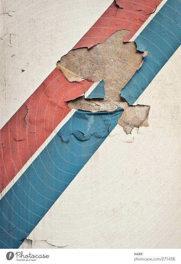 Woodstock in Paris Kunst Kunstwerk Mauer Wand Fassade Streifen alt authentisch dreckig kaputt blau rot weiß stagnierend Verfall Vergänglichkeit Revolution