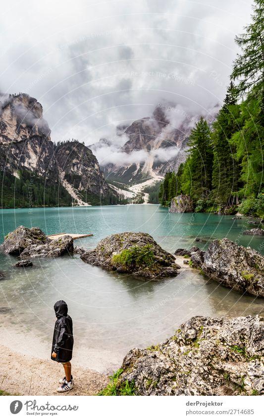 Deprimiert am Lago di Braies/Pragser Wildsee Ferien & Urlaub & Reisen Tourismus Ausflug Abenteuer Ferne Freiheit Sommerurlaub Berge u. Gebirge wandern Umwelt