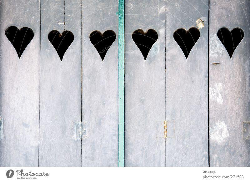 Sechs Lifestyle Häusliches Leben Fensterladen Holz Zeichen Herz schön violett Liebe Verliebtheit Partnerschaft Farbe 6 Valentinstag Farbfoto Gedeckte Farben
