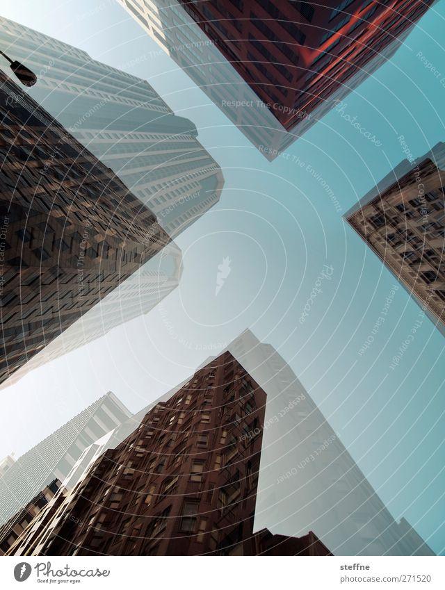 Ein X für ein X vormachen St. Louis USA Stadt Stadtzentrum Skyline Hochhaus Doppelbelichtung Farbfoto Außenaufnahme Textfreiraum Mitte Froschperspektive