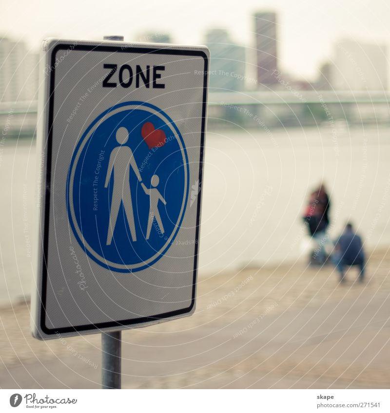 Familienzone Stadt Ferne Gefühle Platz Wachsamkeit Fußgänger Verkehrsschild Toleranz bevölkert Verkehrszeichen Menschlichkeit Rotterdam