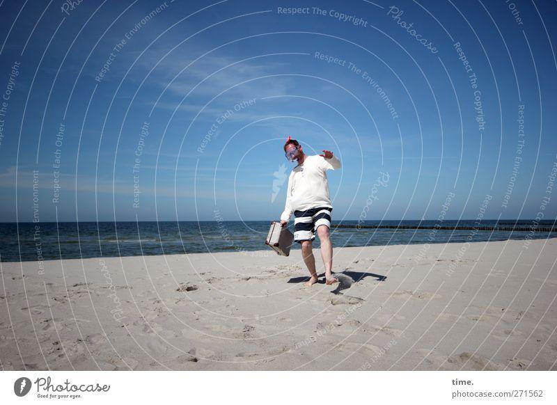 Hiddensee   Weltenbummler Mensch maskulin Mann Erwachsene Körper 1 30-45 Jahre Wasser Himmel Wolken Horizont Sonnenlicht Schönes Wetter Küste Strand Ostsee Meer