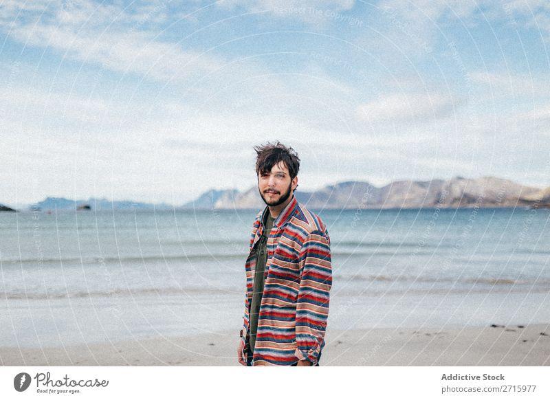 Tourist Mann am See Berge u. Gebirge Hügel Wasser Mensch