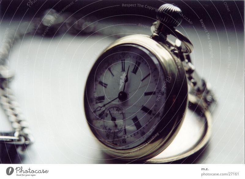 die taschenuhr_ hell glänzend gold Uhr Kette Zifferblatt Taschenuhr