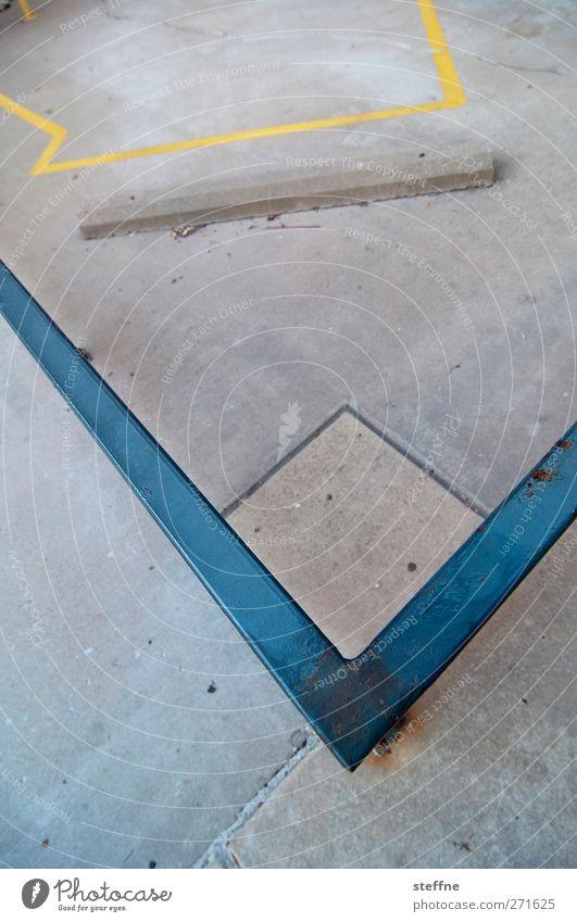 V-Ausschnitt St. Louis Geländer Beton Metall trist Stadt Farbfoto Außenaufnahme Strukturen & Formen