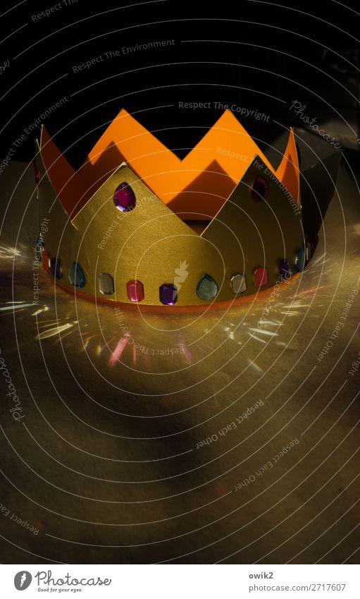 Insignien der Macht leuchten glänzend Glas Karton Krone Kinderspiel Edelstein Bastelmaterial
