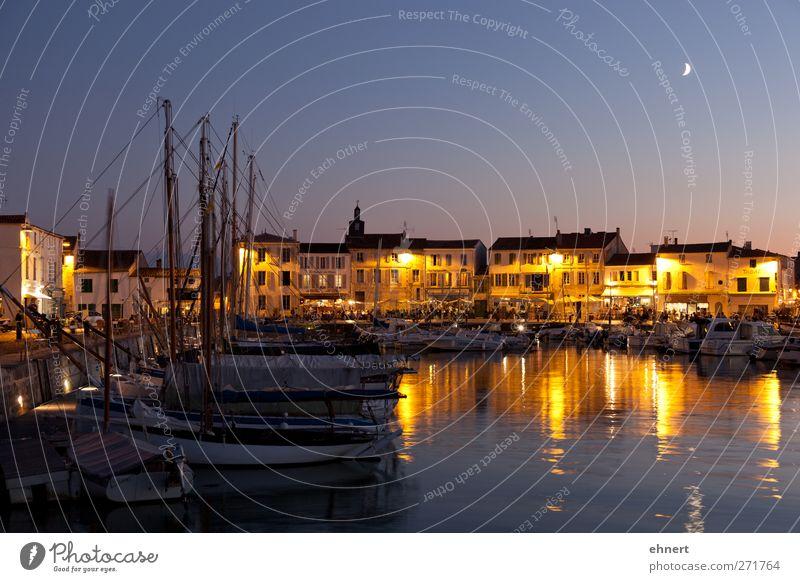 Hafen von La Flotte, Ile de Ré Meer Restaurant Wasser Mond Dorf Haus Sehenswürdigkeit Fischerboot Motorboot Segelboot Stimmung Gastfreundschaft Sehnsucht