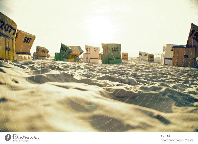 Strandkörbe Ferien & Urlaub & Reisen Tourismus Sommerurlaub Sonne Küste Nordsee Strandkorb Sand Zusammensein Wärme braun gold Lebensfreude Warmherzigkeit ruhig