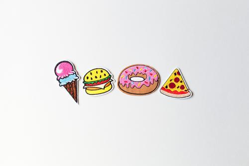 All you can eat Lebensmittel Kuchen Dessert Speiseeis Süßwaren Pizza Hamburger Krapfen Zucker Salami Zuckerstreusel Käse Ernährung Essen Fastfood