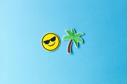 Urlaubszeit Ferien & Urlaub & Reisen Tourismus Ferne Freiheit Sommer Sommerurlaub Strand Meer Insel Palme Sonnenbrille Zeichen Smiley Fröhlichkeit Freude Glück