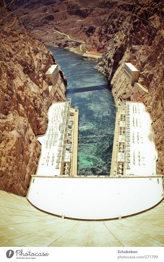 Hoover Dam.03 Ferien & Urlaub & Reisen Wasser Sonne Landschaft Ferne Berge u. Gebirge Wand Freiheit Architektur Mauer Stein Sand träumen Erde Energiewirtschaft Schönes Wetter