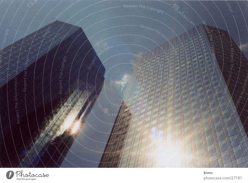 Deutsche Bank Hochhaus Frankfurt am Main Stadt Architektur Skyline Himmel Sonne Reflektion