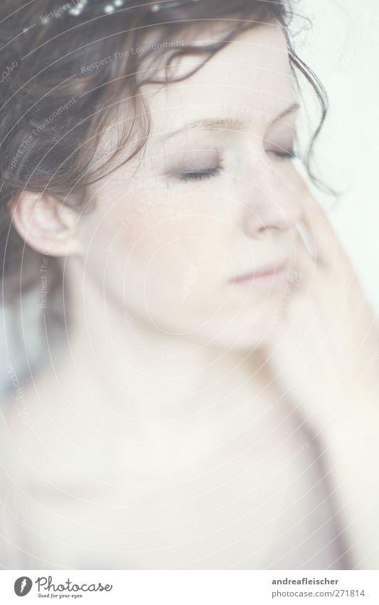 mehr meerjungfrau Mensch Frau Jugendliche schön ruhig Erwachsene feminin Gefühle Stimmung Junge Frau Zufriedenheit 18-30 Jahre ästhetisch weich Locken brünett