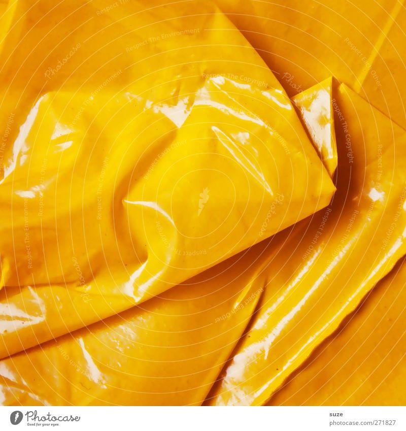 Gelber Sack Umwelt Verpackung Kunststoffverpackung eckig einfach gelb Folie Beutel knittern Falte Müll Plastiktüte Plastikhülle glänzend Material graphisch